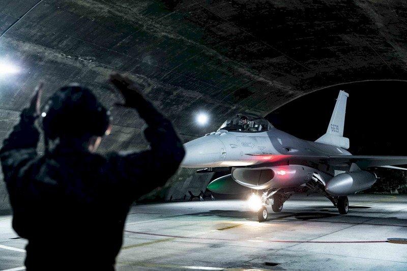 타이완-미국 간 전투기용 센서포드 군비매매 계약 정식 체결